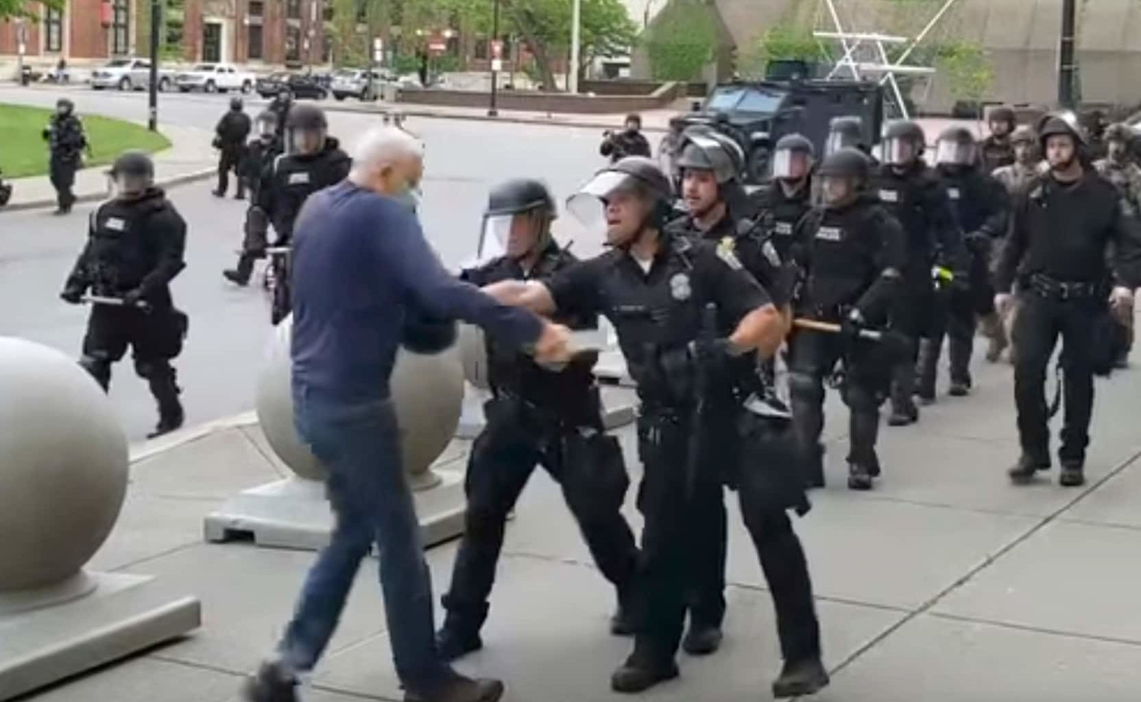 Now There's A Smartphone App To Fight Police Abuse Of Power (VIDEO)