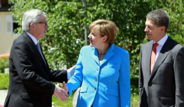 G7 Leaders Commit To Phase Out Fossil Fuels By End Of Century (Video)
