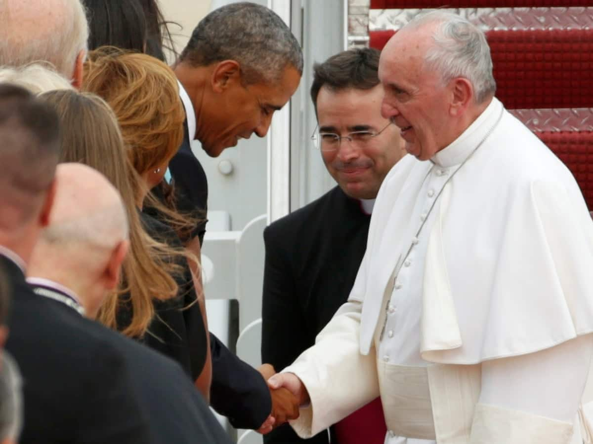 Bernie Sanders Moved To Tears By Pope Francis Today (VIDEO)