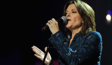 Singer Rosanne Cash Angers Fans Because She Supports Gun Control
