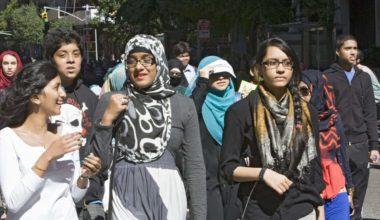 Islamophobic Idiots Shut Down School District Over Calligraphy Lesson