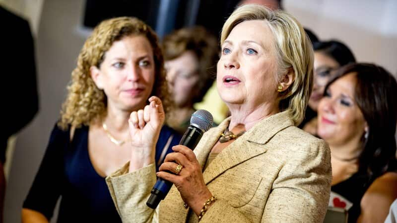 DNC Insiders Beg Sanders To Drop Out, Fear Clinton Cannot Win Otherwise