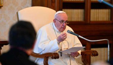 Pope Declares Healthcare 'Universal Right,' Not VIP Privilege
