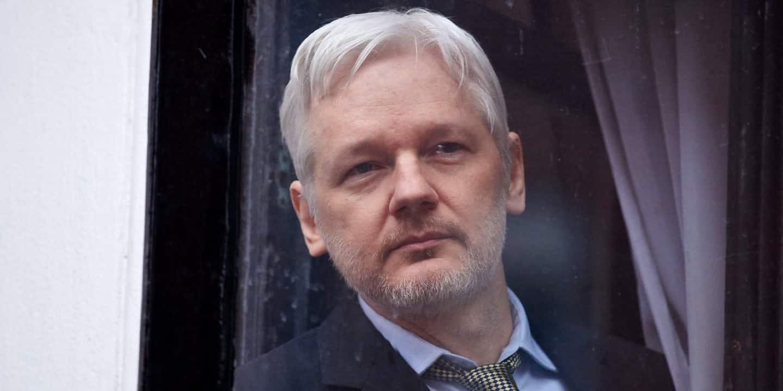 BREAKING President Obama Just Commuted Iraq War Whistleblower Manning's Sentence