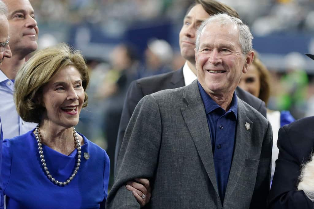 GOP Stunned As Insider Reveals George H.W. Bush Will Vote For Hillary