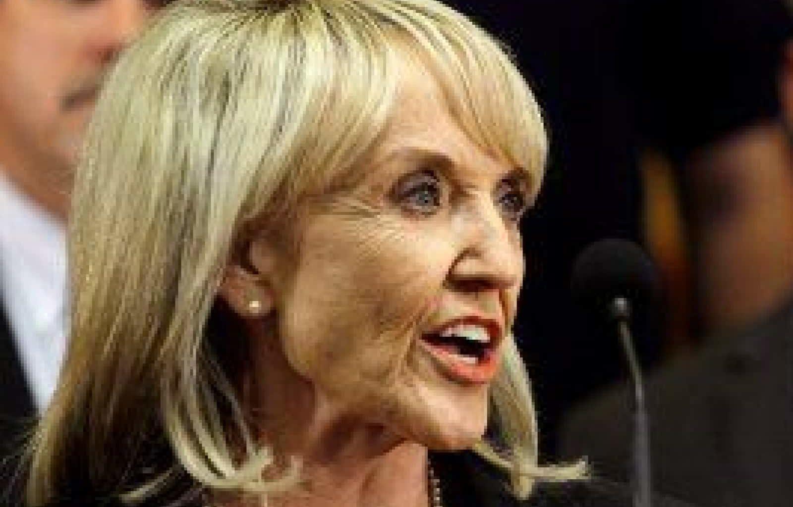 Gov. Jan Brewer Leaves Arizona Broke – Still Gives Big Bonuses To Staff