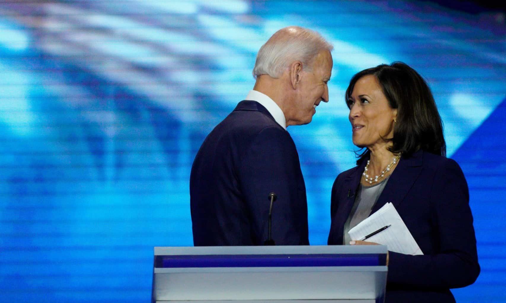 Sen. Feinstein Cracks Scathing Joke About Jeb Bush Candidacy
