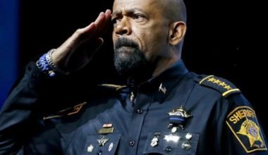 Stolen Valor Army Vet Slams Sheriff Clarke Over Ridiculous 'Toy Uniform'