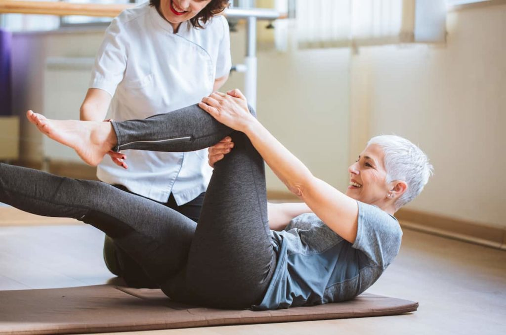 How to go about finding traveling physical therapy assistant jobs